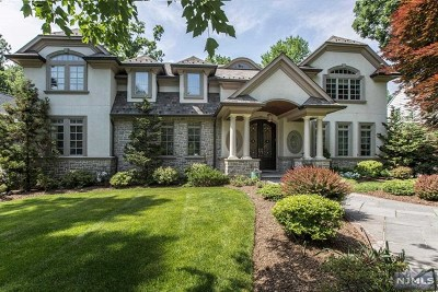 Teaneck Single Family Home For Sale: 1510 Jefferson Street