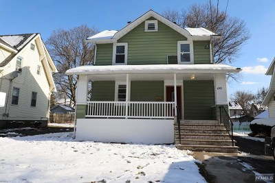 Teaneck Single Family Home For Sale: 1261 Beaumont Avenue