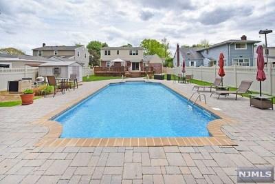 New Milford Single Family Home For Sale: 211 Ridge Street