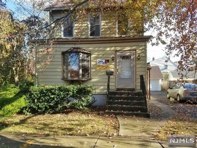 Teaneck Single Family Home For Sale: 127 Park Avenue