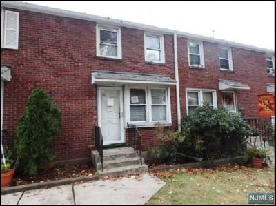 Englewood Condo/Townhouse For Sale: 130 Glenbrook Parkway #4b