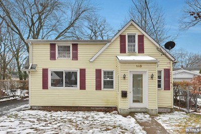 Teaneck Single Family Home For Sale: 140 East Tryon Avenue