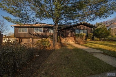 Englewood Single Family Home For Sale: 555 Cumberland Street