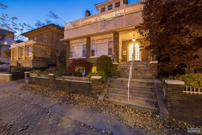 Weehawken Single Family Home For Sale: 867-869 Boulevard East