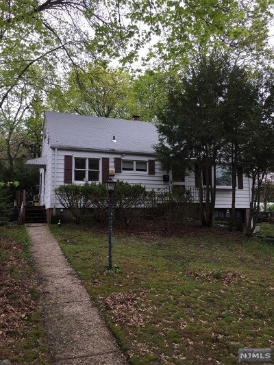 New Milford Single Family Home For Sale: 197 Carlton Place
