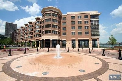 West New York Condo/Townhouse For Sale: 20 Ave At Port Imperial #320