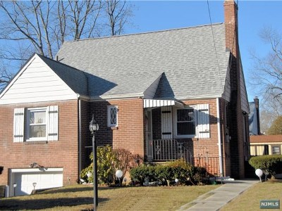 New Milford Single Family Home For Sale: 62 Eagle Avenue