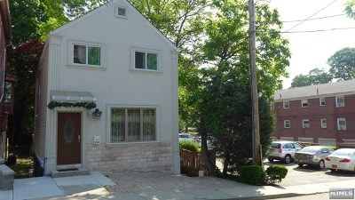 Fort Lee Single Family Home For Sale: 231 Myrtle Avenue