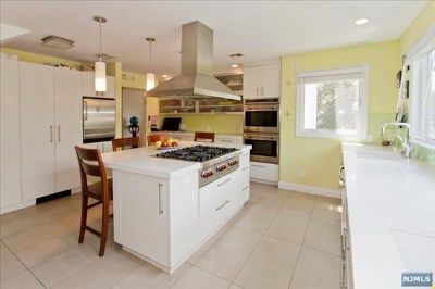 Teaneck Single Family Home For Sale: 600 Ogden Avenue