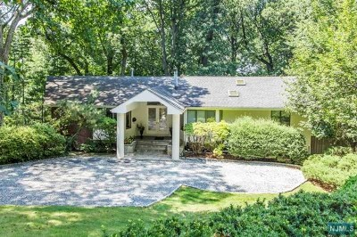 Englewood Single Family Home For Sale: 500 Priscilla Lane