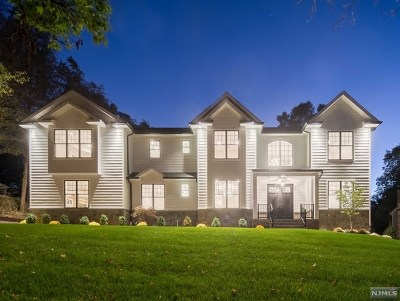 Demarest Single Family Home For Sale: 10 Heritage Court