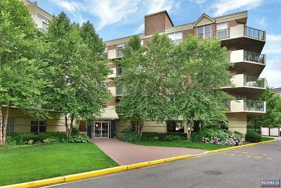 Edgewater Condo/Townhouse For Sale: 100 Grand Cove Way #3h
