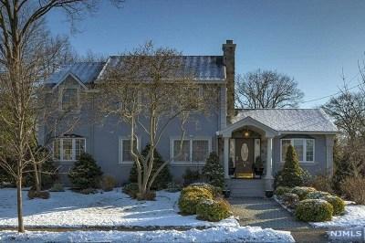 Fair Lawn Single Family Home For Sale: 1-02 Morlot Avenue