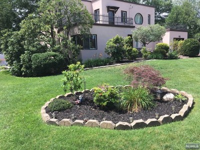 New Milford Single Family Home For Sale: 396 Graphic Boulevard