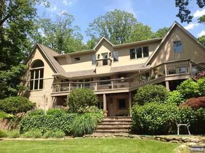 Englewood Single Family Home For Sale: 360 Thornton Road
