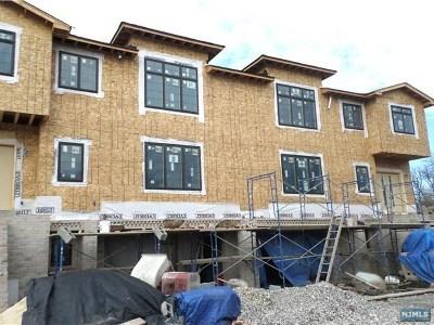 Palisades Park Condo/Townhouse For Sale: 52 Brinkerhoff Terrace #B