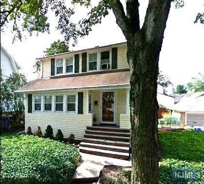 Saddle Brook Single Family Home For Sale: 116 Franklin Avenue