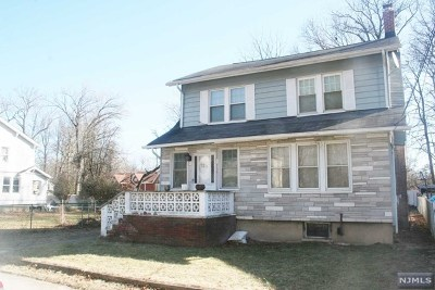 Teaneck Single Family Home For Sale: 1265 Lorraine Avenue