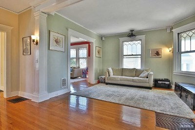 Englewood Single Family Home For Sale: 82 Spring Lane
