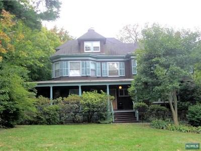 Englewood Single Family Home For Sale: 254 Chestnut Street
