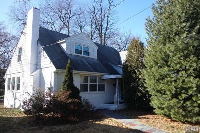 Teaneck Single Family Home For Sale: 574 Maitland Avenue