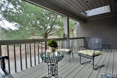Mahwah Condo/Townhouse For Sale: 81 Storms Drive