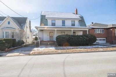 Cliffside Park Single Family Home For Sale: 44 Crescent Avenue
