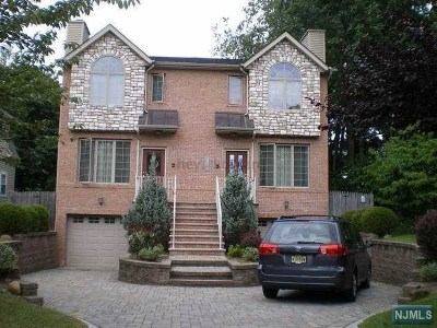 Tenafly Condo/Townhouse For Sale: 25 Mahan Street