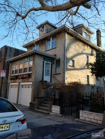 Cliffside Park Single Family Home For Sale: 358 Lincoln Avenue