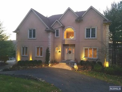 Mahwah Single Family Home For Sale: 1 Boland Court