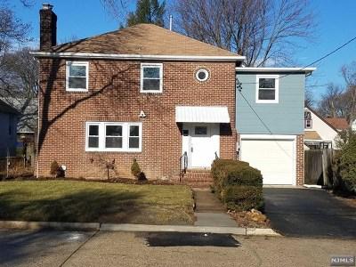 Teaneck Single Family Home For Sale: 1144 Congress Avenue