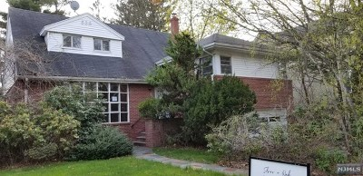 Teaneck Single Family Home For Sale: 538 Rutland Avenue