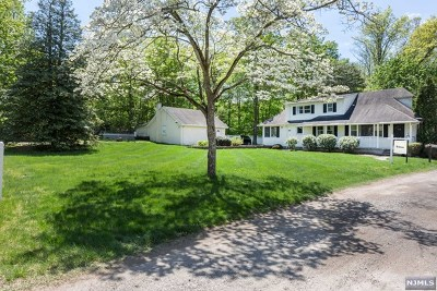 Franklin Lakes Single Family Home For Sale: 519 Harriet Place