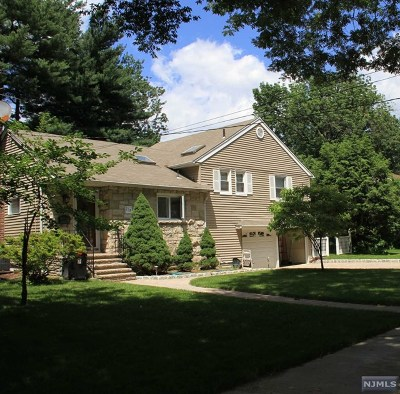 Ridgewood Single Family Home For Sale: 239 Mulberry Place
