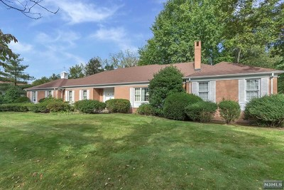 Englewood Cliffs Single Family Home For Sale: 56 Jane Drive