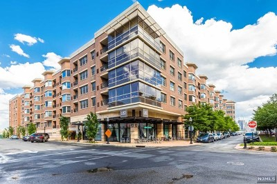 West New York Condo/Townhouse For Sale: 20 Ave At Port Imperial #420