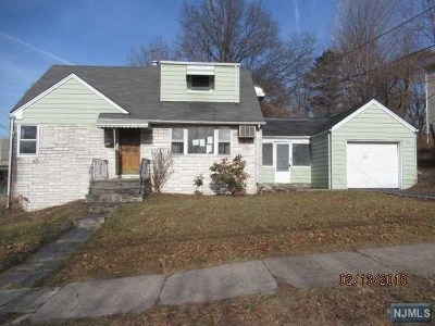 Leonia Single Family Home For Sale: 119 Lakeview Avenue