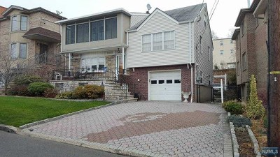 Palisades Park Single Family Home For Sale: 124 Princeton Place