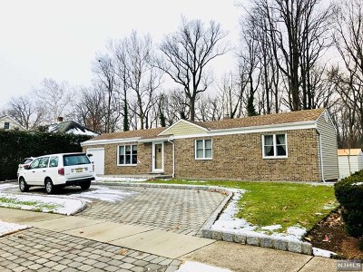 River Edge Single Family Home For Sale: 361 Valley Road