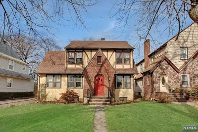 Englewood Single Family Home For Sale: 181 Cambridge Avenue