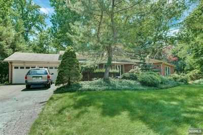 Montvale Single Family Home For Sale: 3 Valemont Road