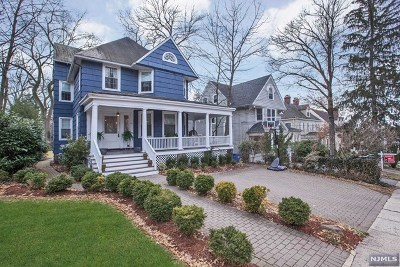 Englewood Single Family Home For Sale: 86 Spring Lane