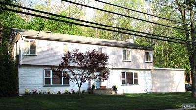 Mahwah Single Family Home For Sale: 243 Franklin Turnpike
