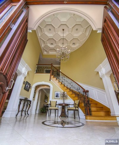 Demarest Single Family Home For Sale: 44 Columbus Road