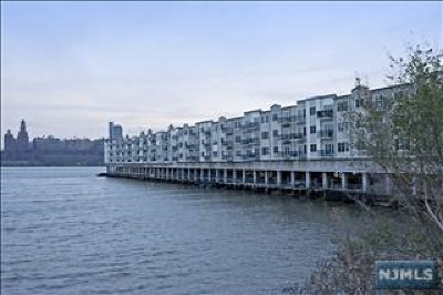 Edgewater Condo/Townhouse For Sale: 354 The Promenade #354