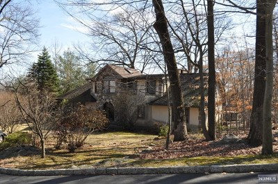 Franklin Lakes Single Family Home For Sale: 794 Pony Trail
