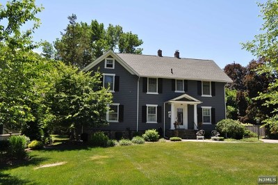 Mahwah Single Family Home For Sale: 214 Summit Road