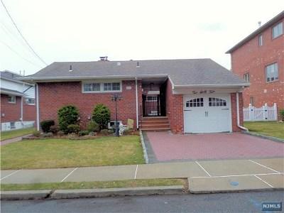 Cliffside Park Single Family Home For Sale: 264 Wayne Avenue
