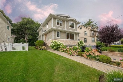 Cresskill Single Family Home For Sale: 96 Westervelt Place