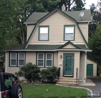 Teaneck Single Family Home For Sale: 535 Kenwood Place